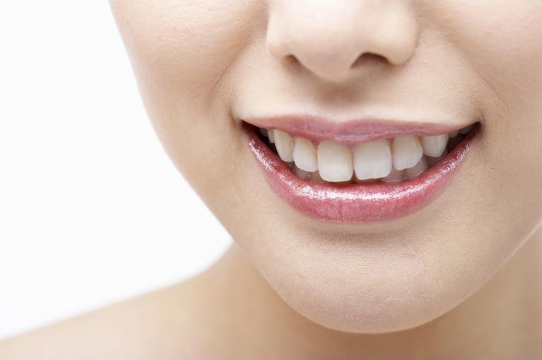 ホワイトニングで健康な歯を